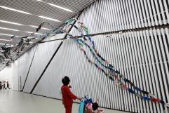 2012上海雙年展《颱風計畫-愛的禮物》攝影/李正書