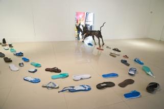 2010《88號流浪者與漂流鞋的對話》攝影/吳欣穎